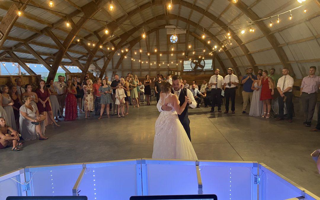 The Cottage Farmhouse – Glencoe, MN – Wedding DJ Review